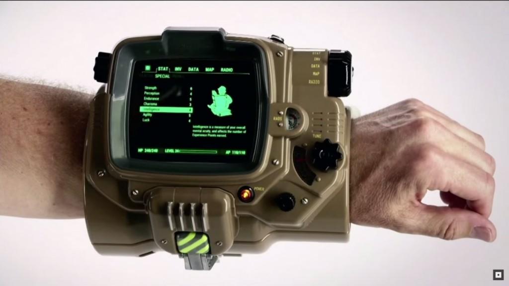 Replika Pip-Boy yang bisa digunakan