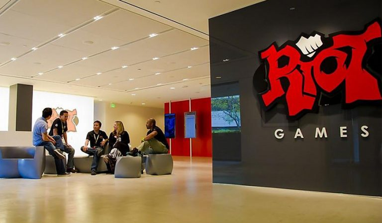 Media Berita Game Kotaku Menuduh Adanya Budaya Sexist di Dalam Perusahaan Riot Games
